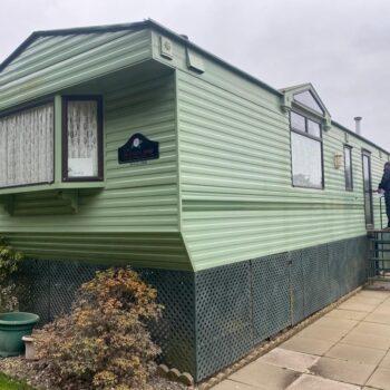 225. Willerby Granada 3.7 x 11.0 m. 2 bedrooms