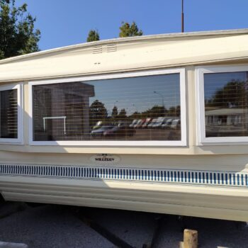 210. Willerby Granada 3.7 x 11.5 m. 2 guļamistabas